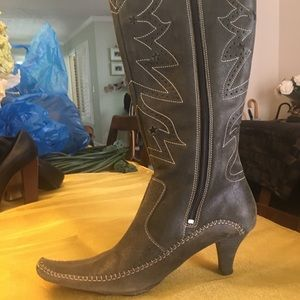 NWOT Indigo Grey Ornate Leather Cowboy Boots